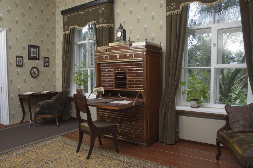 تصاویری از خانه داستایفسکی در استارایاروسا که به موزه تبدیل شده است